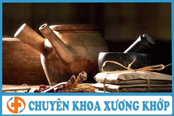 phuong phap tri thoai hoa khop hang bang dong y