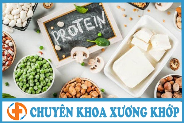 thoai hoa cot song nen an gi bo sung protein